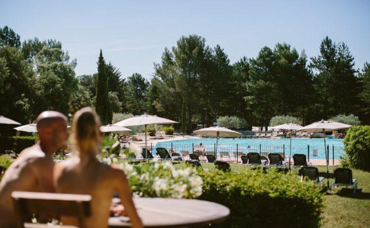 Vous recherchez un camping naturiste en Méditerranée ? Réservez votre emplacement au village camping France 4 Naturisme !