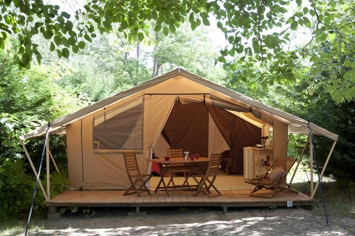 Découvrez la nouvelle tente SAFARI équipée au camping Les Grottes de Roffy